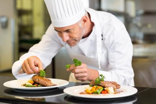 lavoro cuoco: le mansioni, i requisiti e le offerte di lavoro online